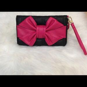 ❤️NEW Betsey Johnson Oversized Sweetheart Wristlet